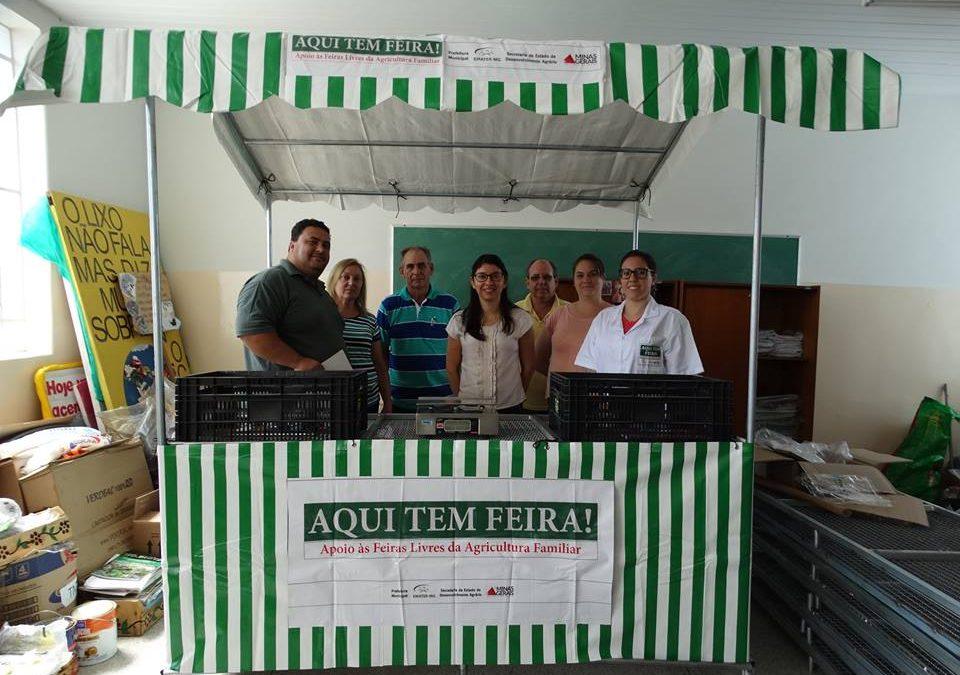 """Guaranésia é contemplada com kits feira """"Aqui Tem Feira"""""""