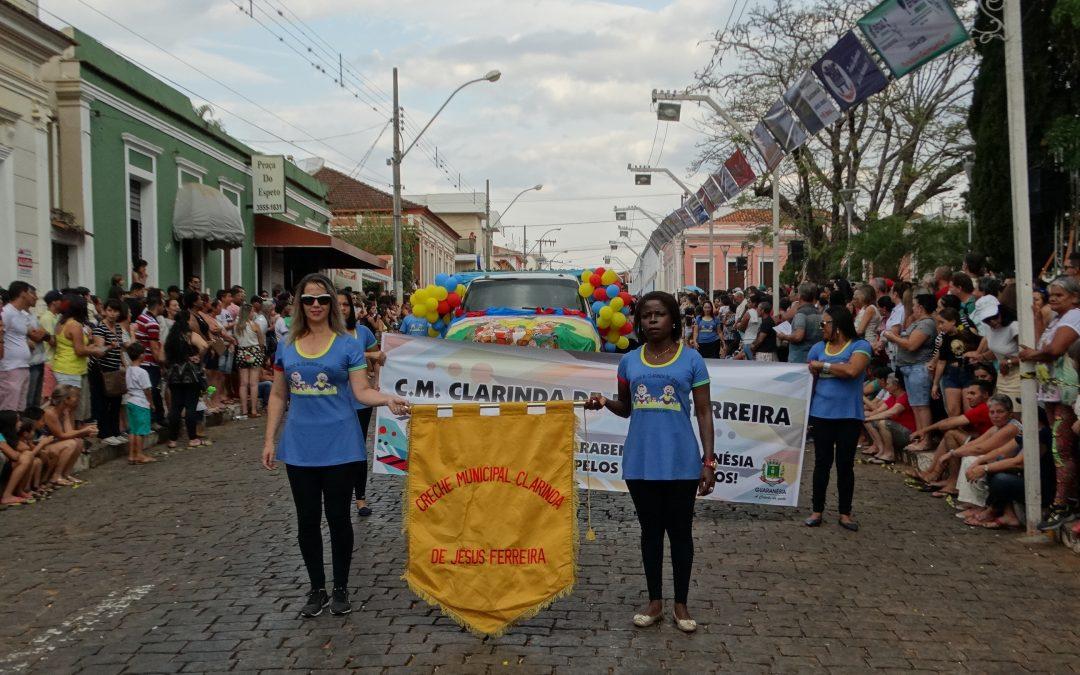 Desfile Comemorativo dos 116 Anos de Guaranésia contagia população